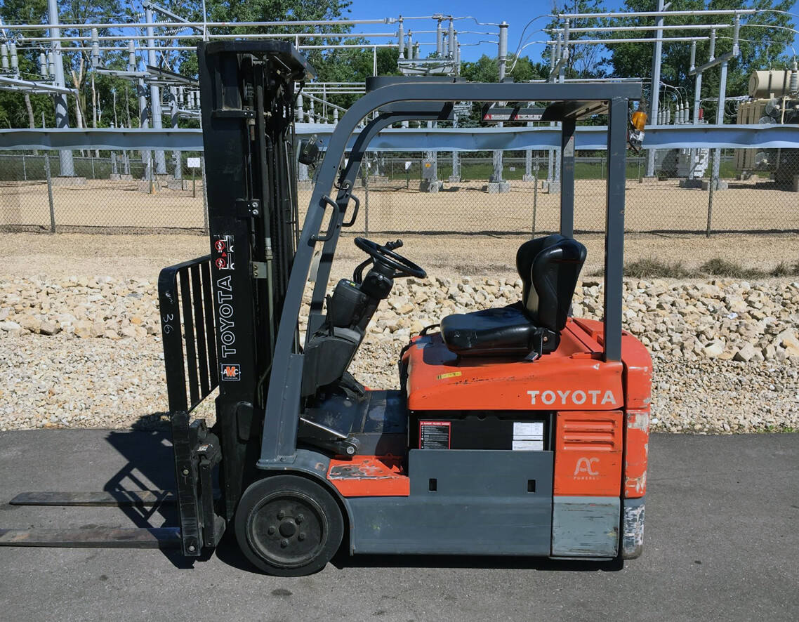 "2006 Raymond R35-C35-QM, Dock Stocker, 3500 Lb Electric 36V System, 83/240 Quad Mast with Side Shift and 42"" Forks"