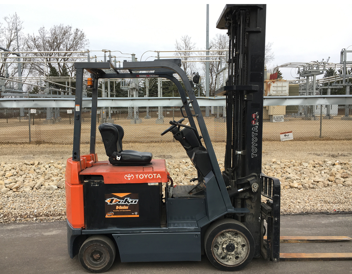#51020 2008 Yale ERC050, 5000 lb Capacity, 83/189 Three Stage Mast, Side Shift with 36V Battery, Good Condition, Call (757) 333-4900 for more information.