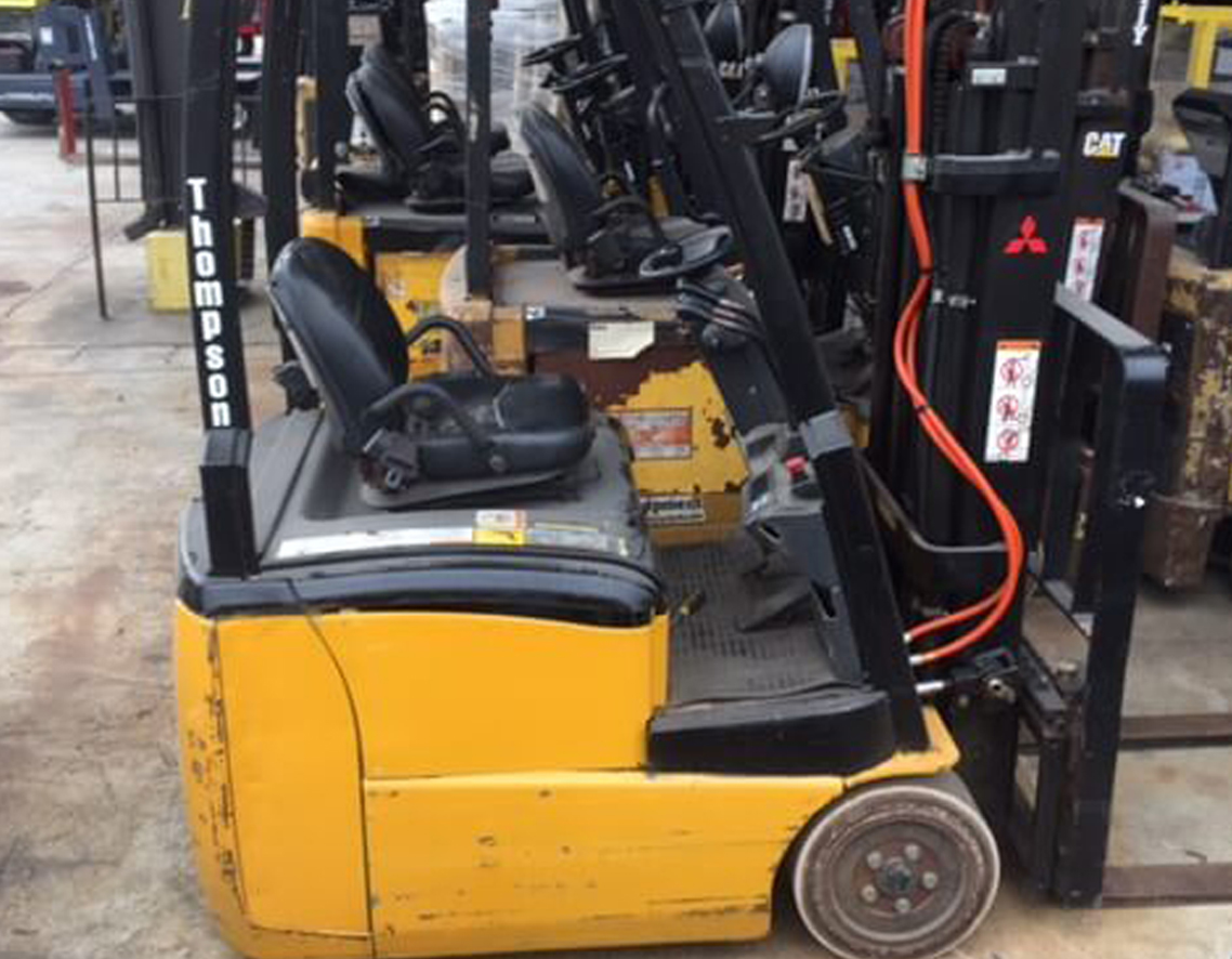 """2006 Raymond R35-C35-QM, Dock Stocker, 3500 Lb Electric 36V System, 83/240 Quad Mast with Side Shift and 42"""" Forks"""